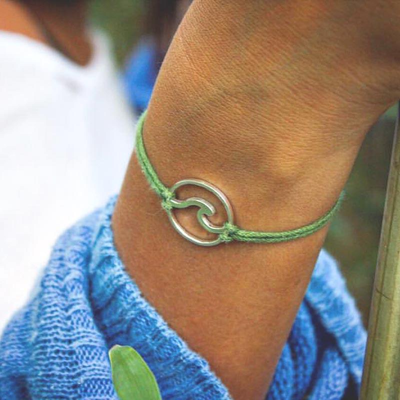 Wave Pendant Bracelet